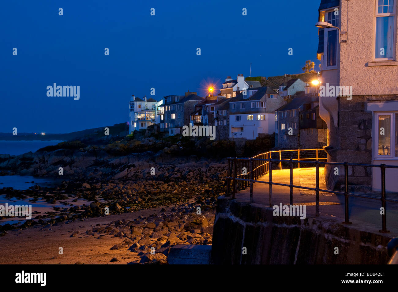 St Ives Harbour And Pednolva Walk And Hotel On Headland Stock Photo