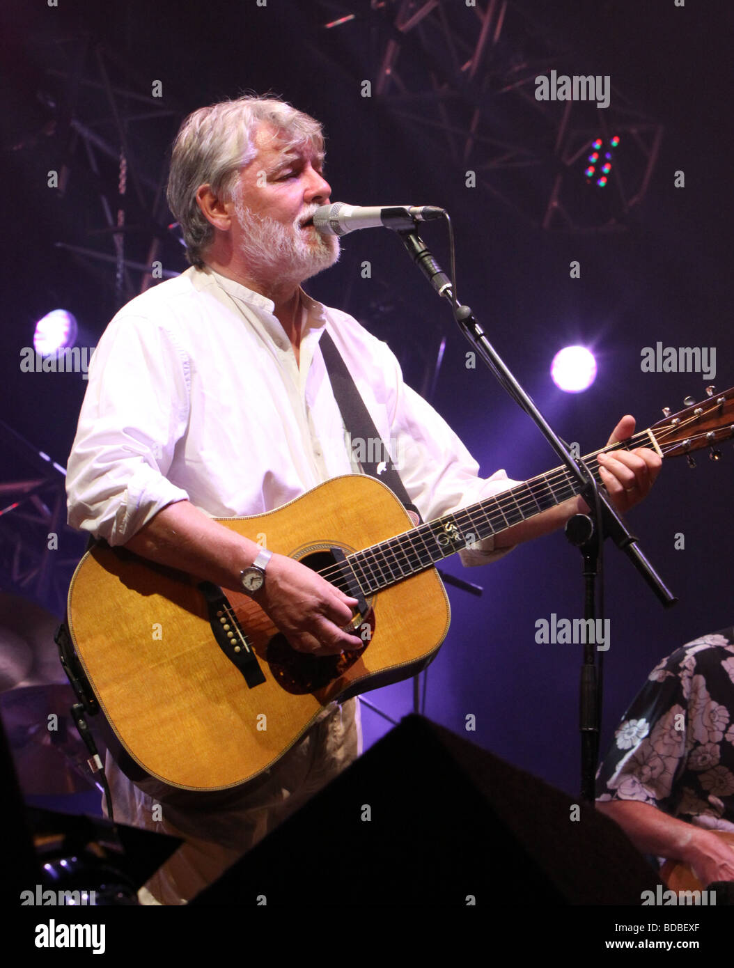 Simon Nicol at Cropredy 2009 - Stock Image