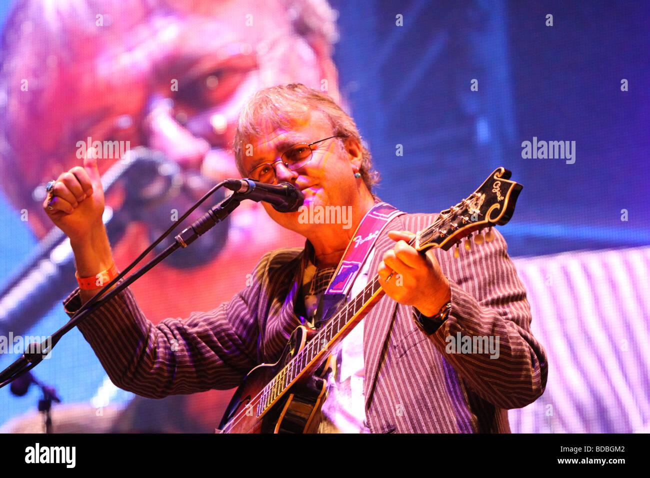 Chris Leslie at Cropredy 2009 - Stock Image