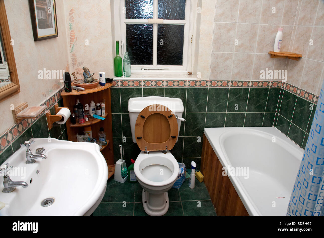 Awesome Unclean Bathroom Interior Stock Photo 25456151 Alamy Download Free Architecture Designs Aeocymadebymaigaardcom