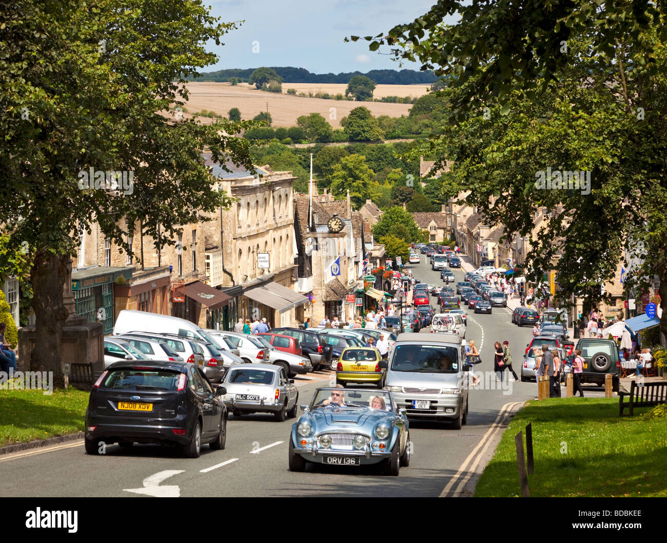 Burford, Oxfordshire, England, UK - a famous Cotswolds village - Stock Image