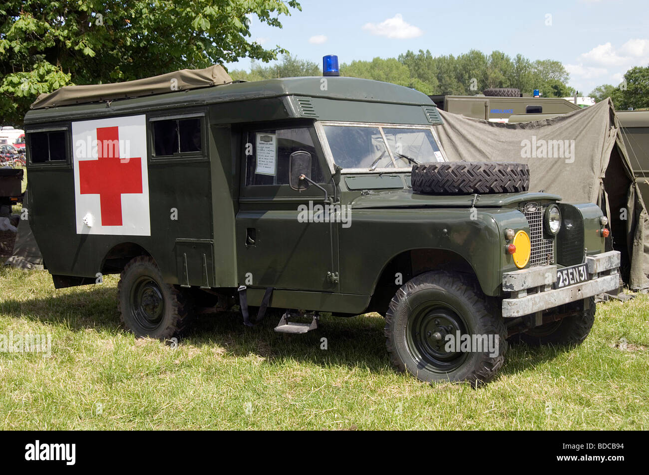 land rover first aid vehicle off road military drab green. Black Bedroom Furniture Sets. Home Design Ideas
