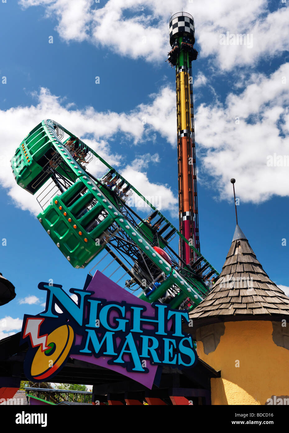 Night Mares and Drop Tower thrill rides at Canada's Wonderland amusement park - Stock Image