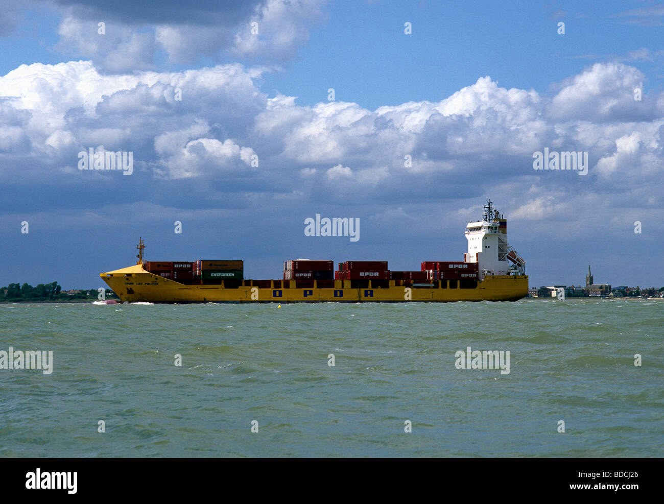 Small Container-ship River Orwell - Stock Image
