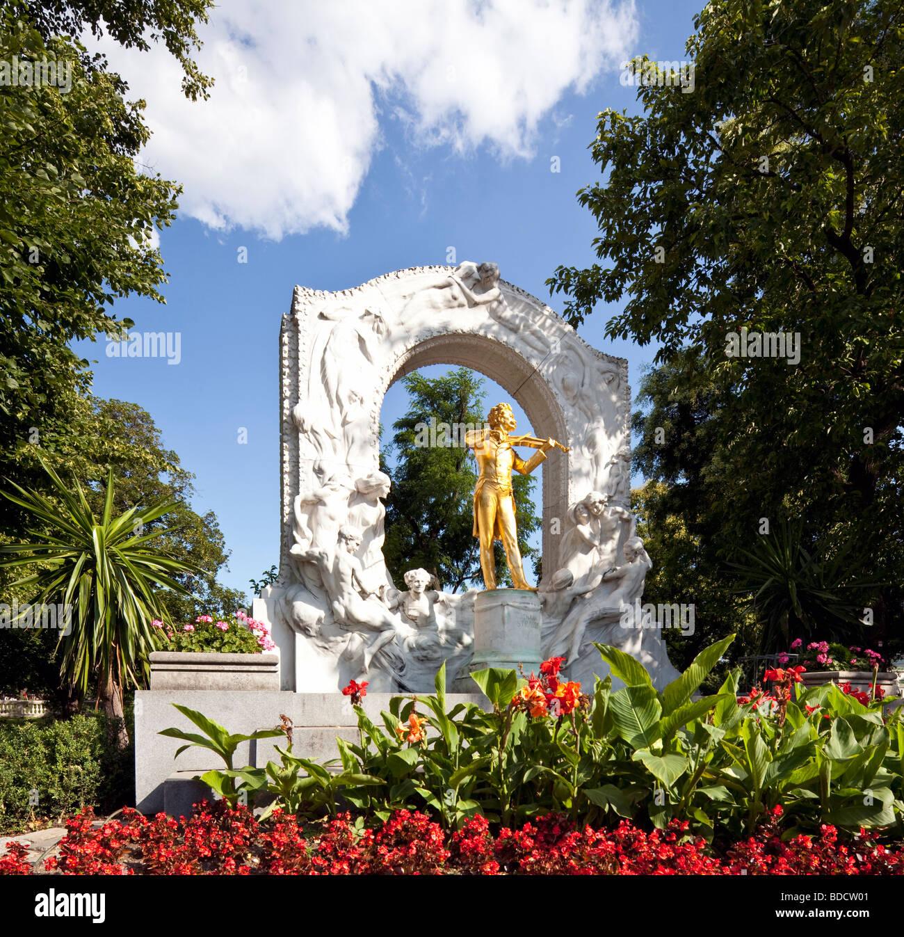 statue of Johann Strauss II, Stadtpark, Vienna, Austria Stock Photo