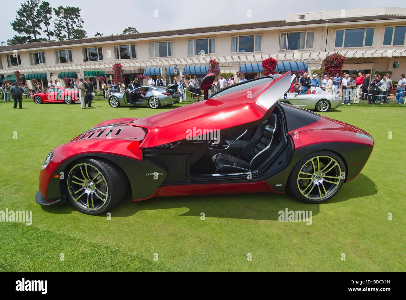 The cars and crowds at the Concours d'Elegance. Featured is the concepts lawn. - Stock Image