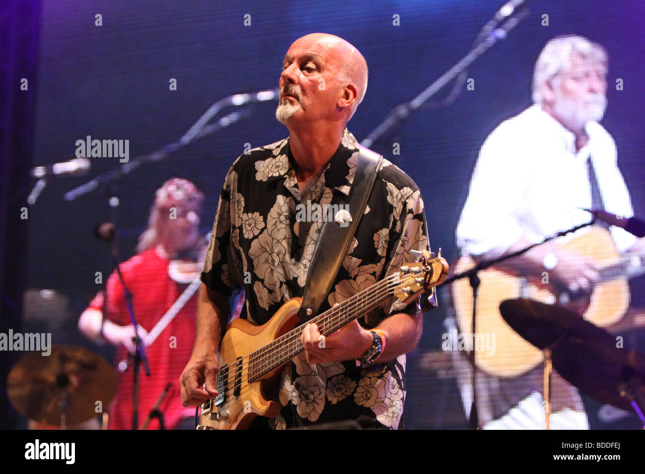 Dave Pegg with Ric Sanders and Simon Nicol at Fairport Conventions Cropredy Festival 15th August 2009 - Stock Image