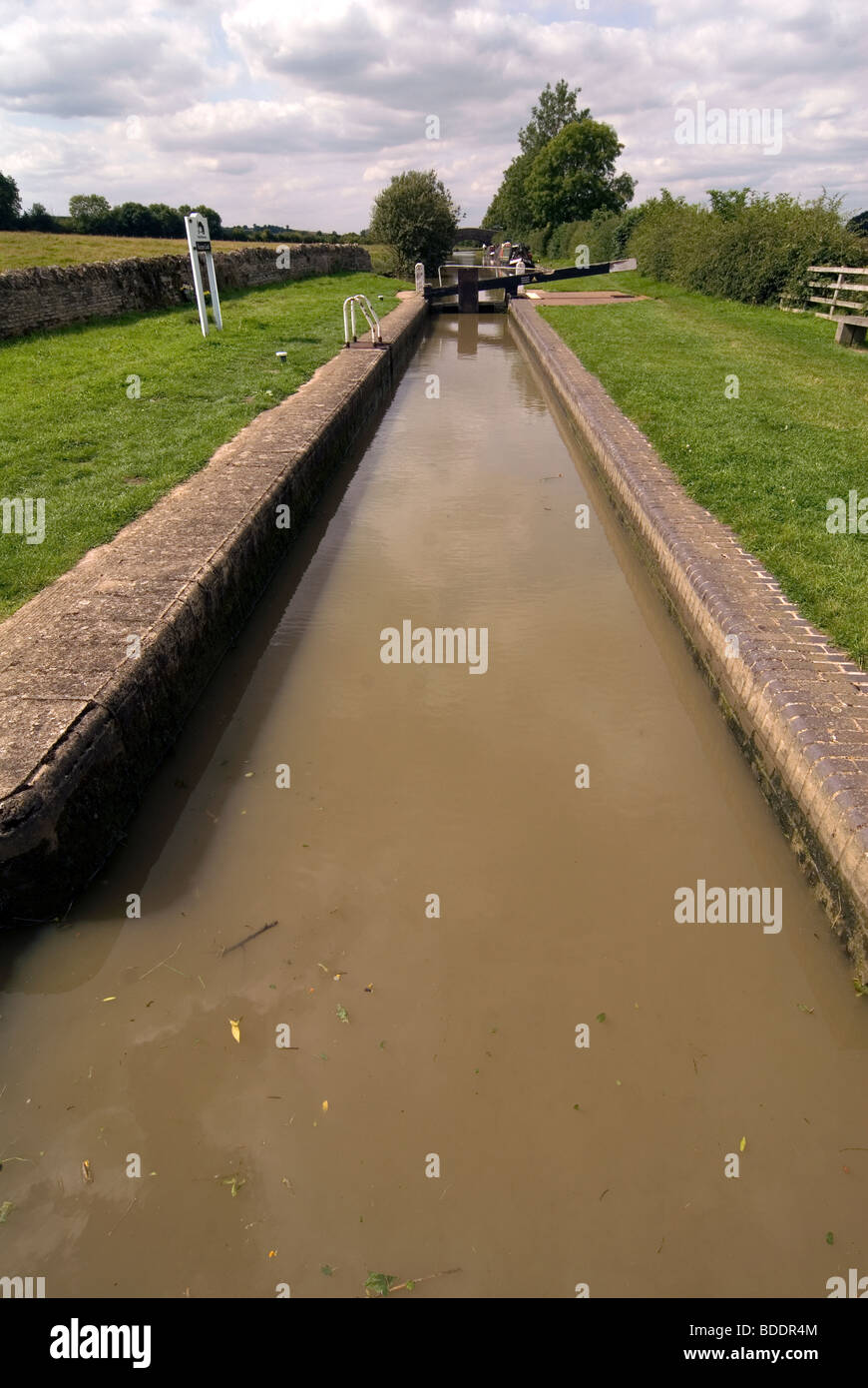 British Waterways Varneys Lock at Cropredy on the South Oxford Canal © Doug Blane - Stock Image