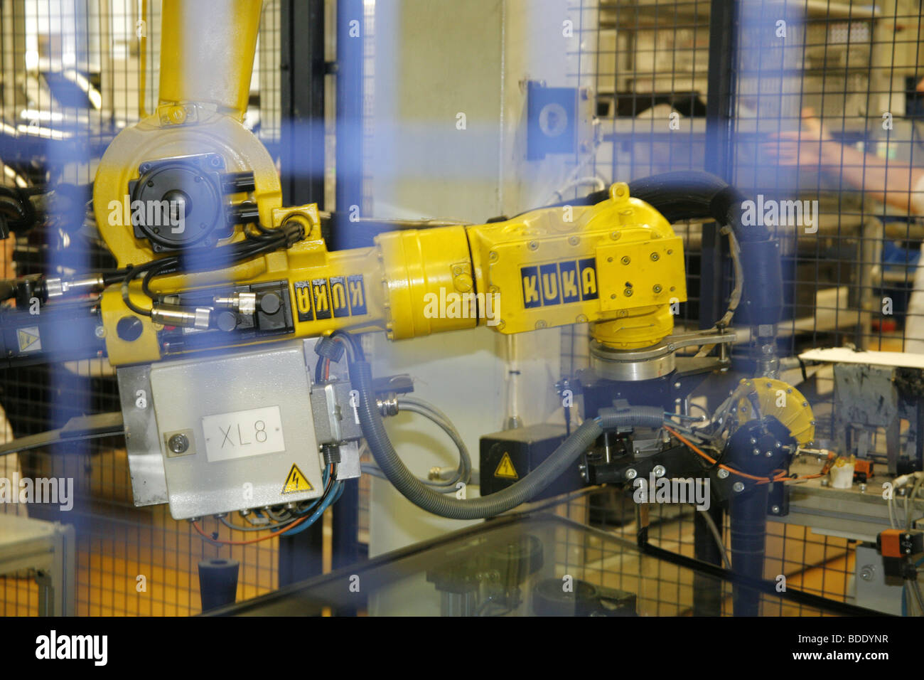 Robot in a car plant - Stock Image