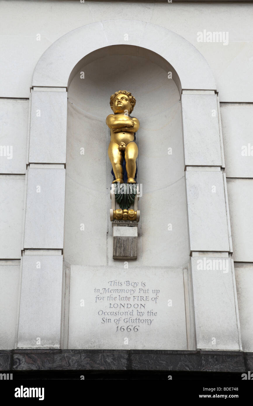 golden boy of pye corner a memory for the fire of london 1666 giltspur street smithfield london uk - Stock Image