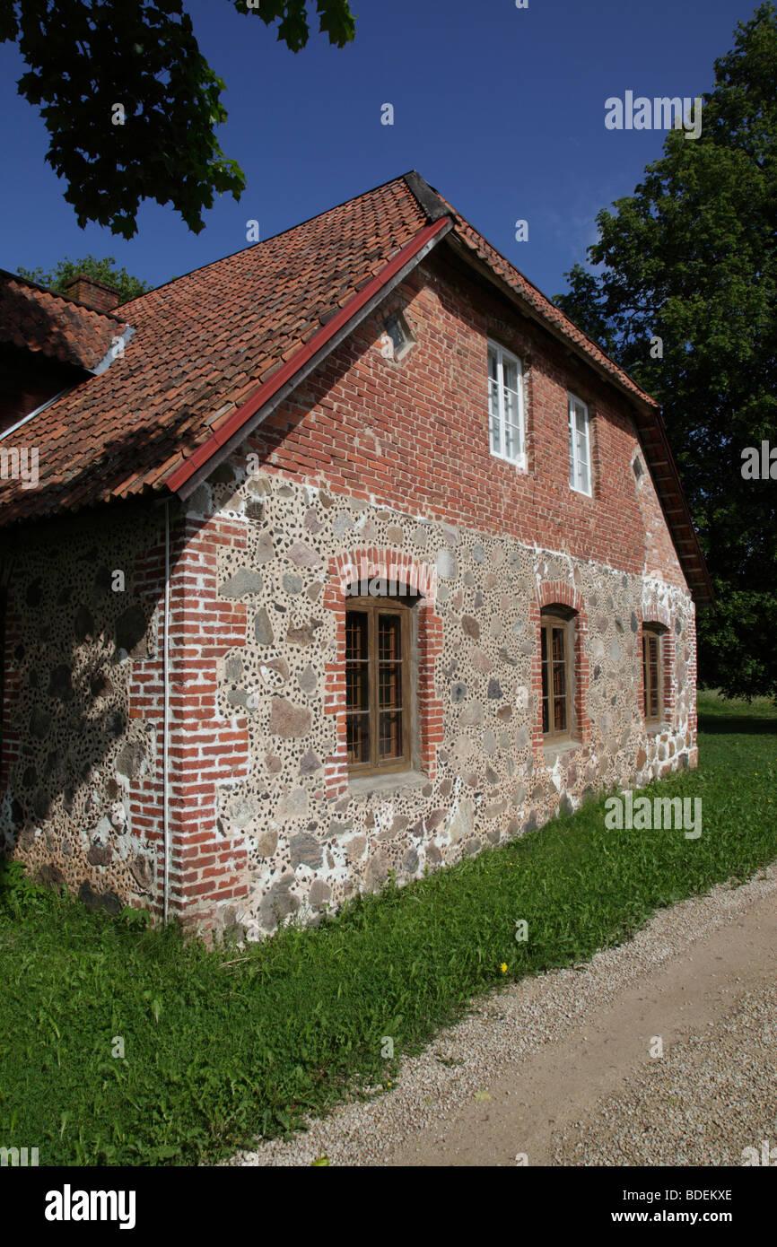 traditional house and museum at Heimtali near Viljandi, Estonia, Baltic Nation, Eastern Europe. Photo by Willy Matheisl - Stock Image