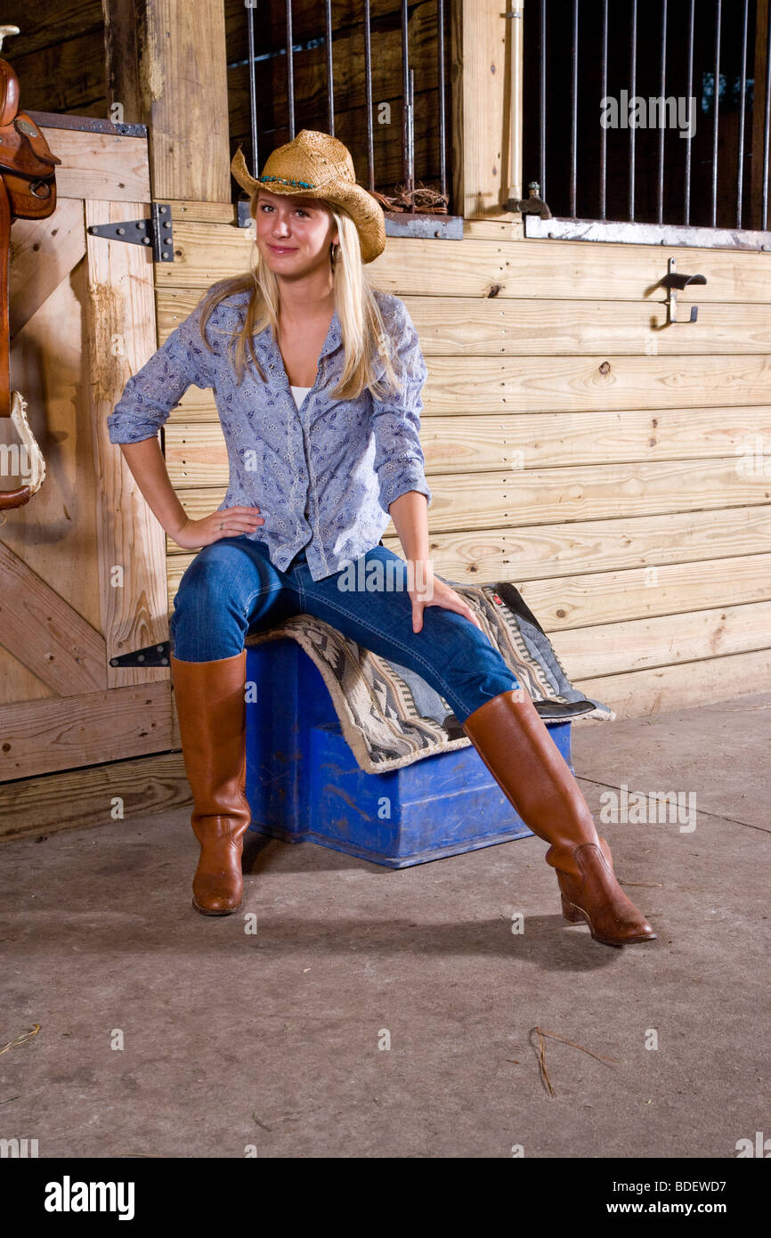 Girls in boots pictures