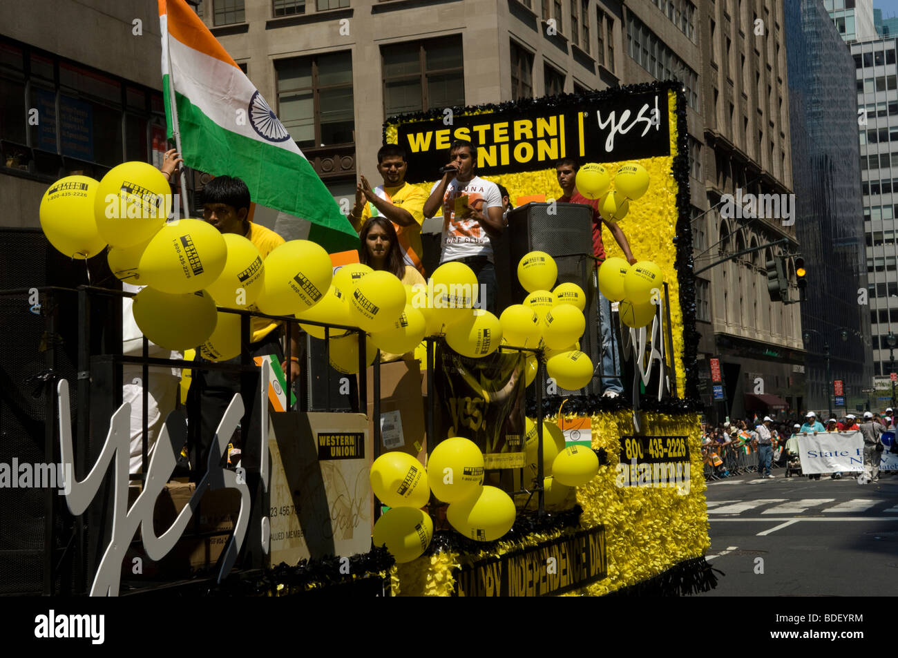 Indian-Americans from the tri-state area around New York in the Indian Independence Day Parade in New York - Stock Image
