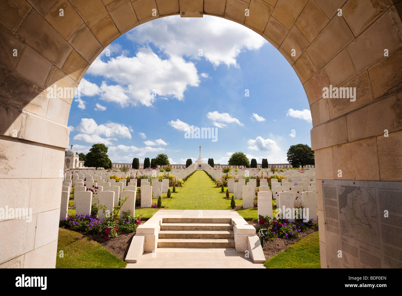 Tyne Cot WW1 Commonwealth military cemetery at Passchendaele, Flanders, Belgium, Europe - Stock Image