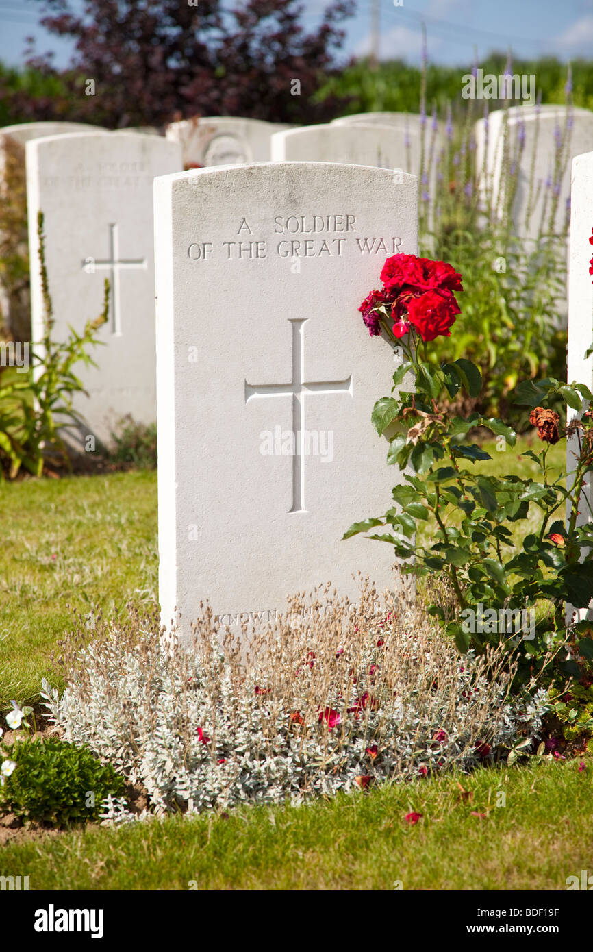 Gravestone of Unknown Soldier in a World War 1 military cemetery, Ypres, Flanders, Belgium, Europe - reads: A Solider - Stock Image