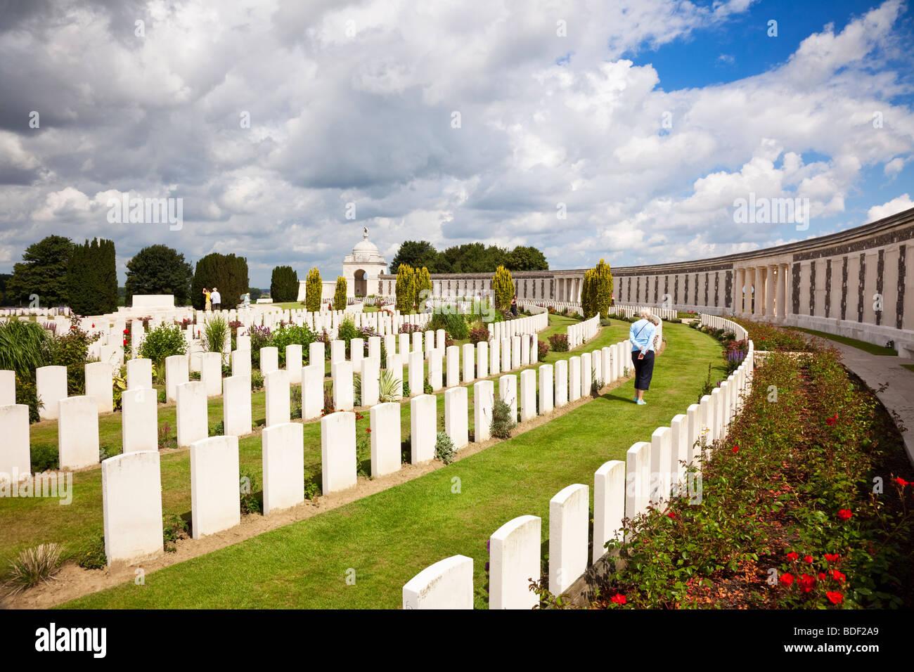 The Tyne Cot World War 1 Commonwealth Military Cemetery at Passchendaele, Flanders, Belgium, Europe - Stock Image