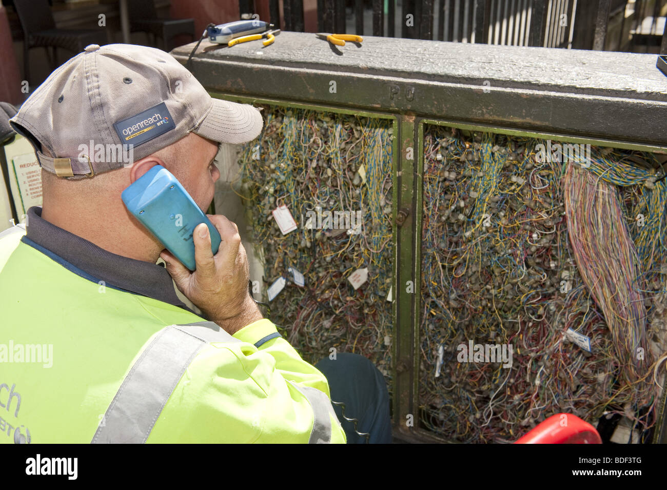 Groovy Looking Over The Shoulder Of Bt Telecommunications Engineer On Phone Wiring Digital Resources Indicompassionincorg