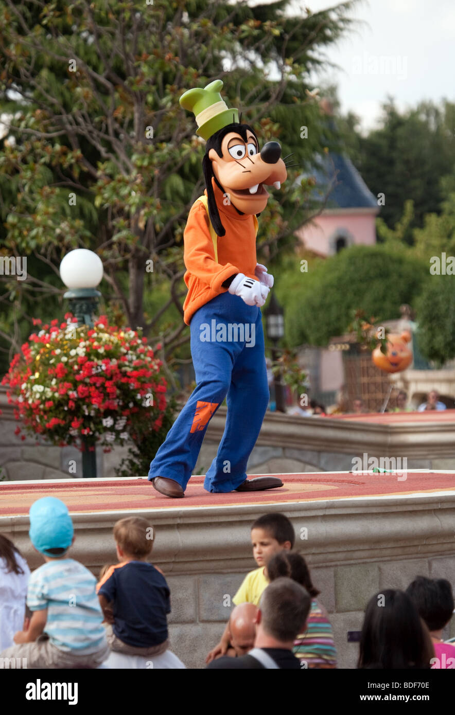 Goofy at disneyland, Paris, France - Stock Image