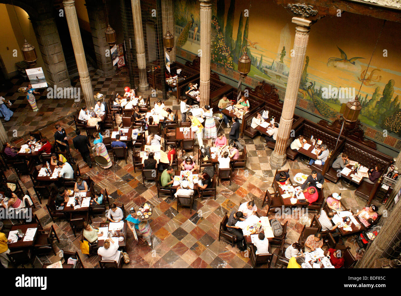 Interior architecture restaurant colonial stock photos for Sanborns azulejos restaurante