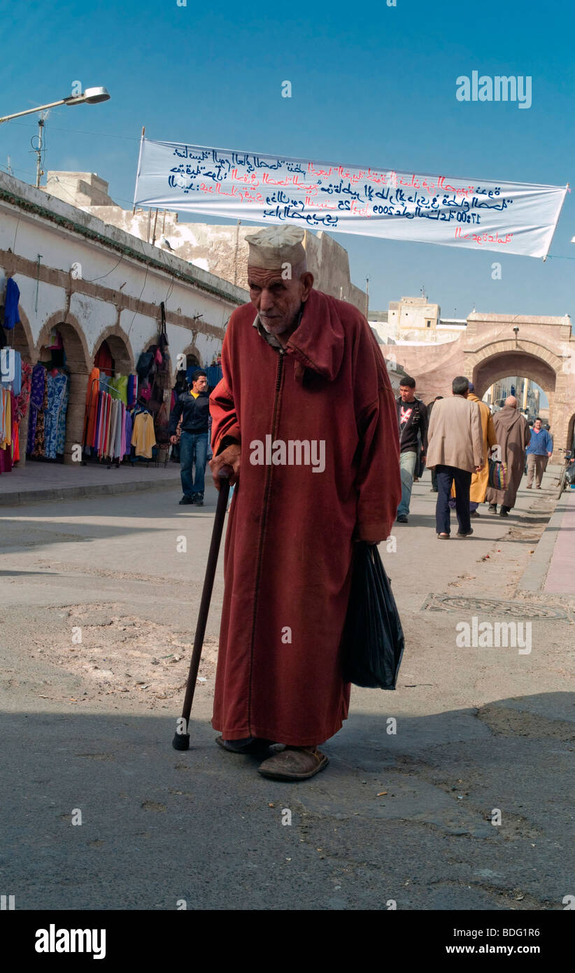 Old man wearing a caftan, Essaouira, Morocco, Africa - Stock Image