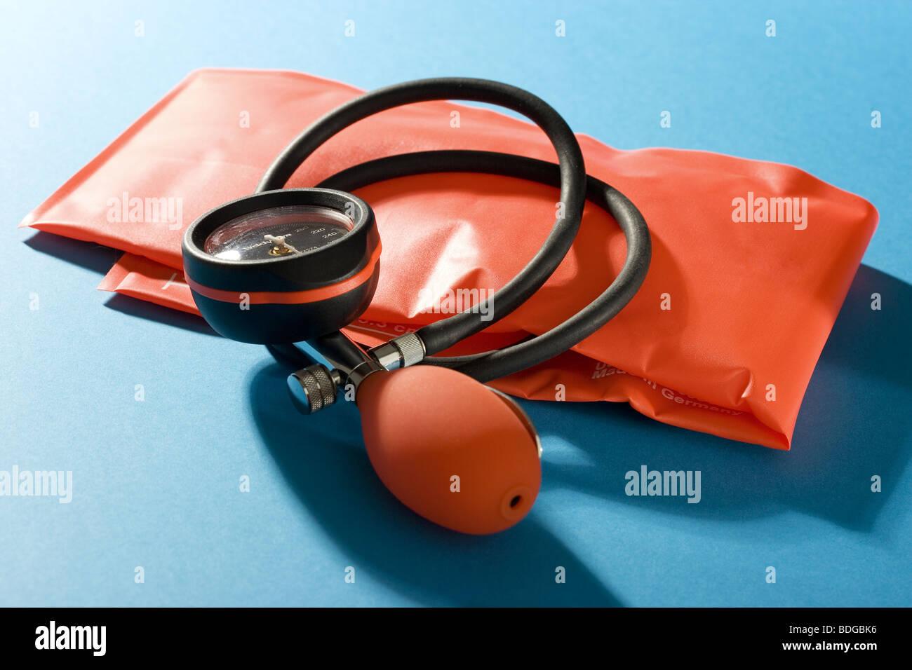 BLOOD PRESSURE EQUIPMENT - Stock Image
