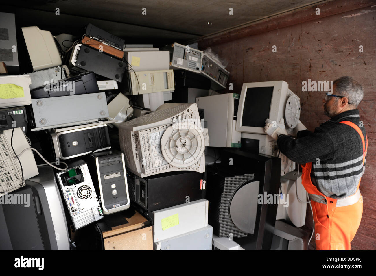 Scrap Trade Stock Photos Images Alamy Electronics Recycling Pictures Zimbio Germany Hamburg Collection And Of Electronic At Public Recycle Place Image