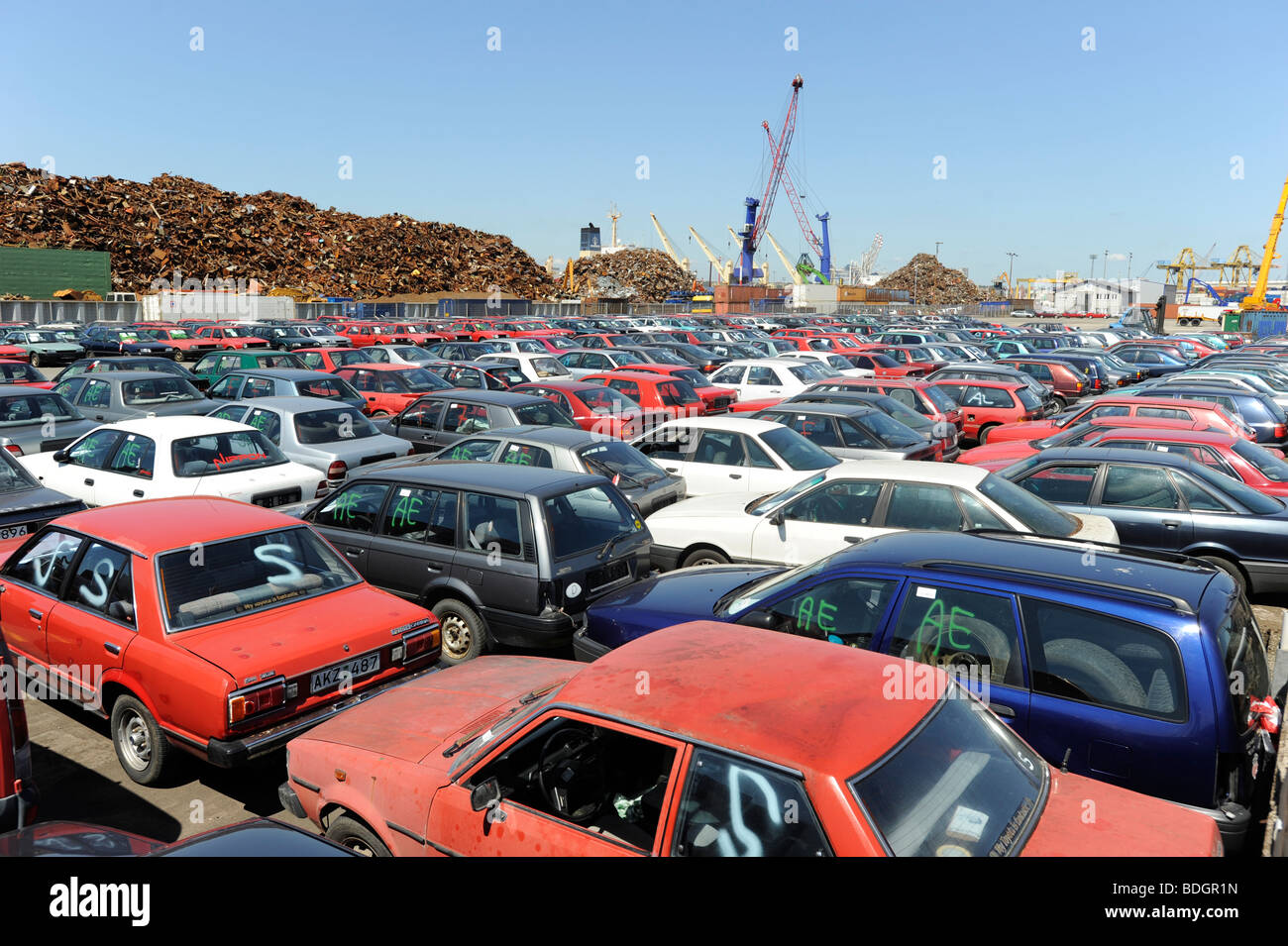 germany hamburg used old cars await export to africa cotonou benin stock photo 25570209 alamy. Black Bedroom Furniture Sets. Home Design Ideas