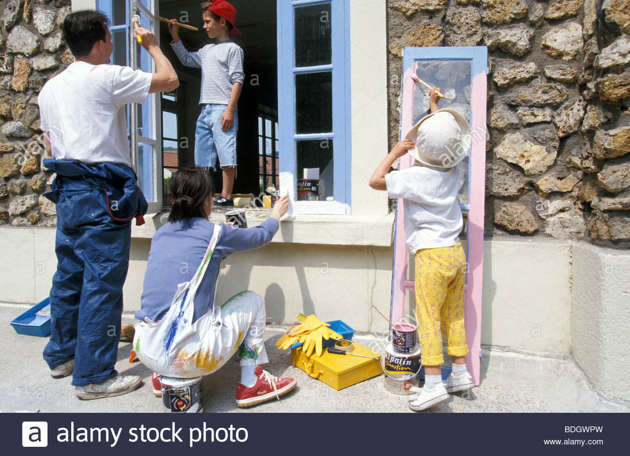 Group Outside Work Leisure Family Children Parent Painting House Windows Odd Job