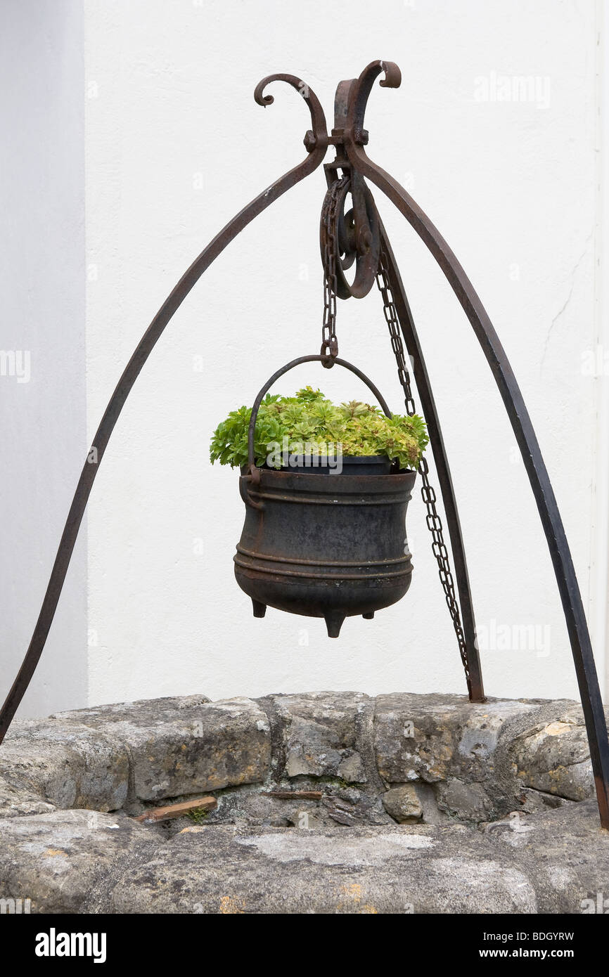Pulley Bucket Well High Resolution Stock Photography And Images Alamy