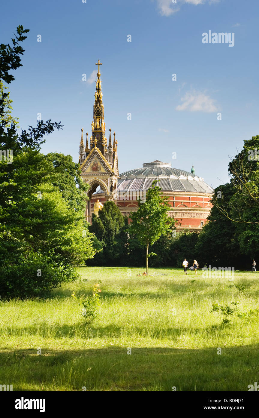 View of Royal Albert Hall and the Albert memorial from the park. - Stock Image