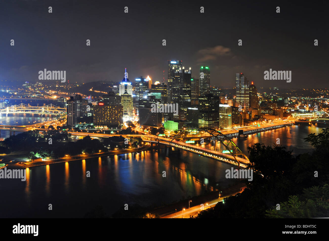 Pittsburgh's skyline at night viewed from the Duquesne Incline - Stock Image