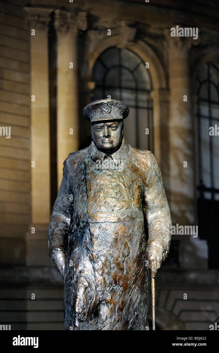 Paris, France, Contemporary Sculpture, Public Art, Statue of 'Winston Churchill' (S. Cardot), Petit Palais - Stock Image