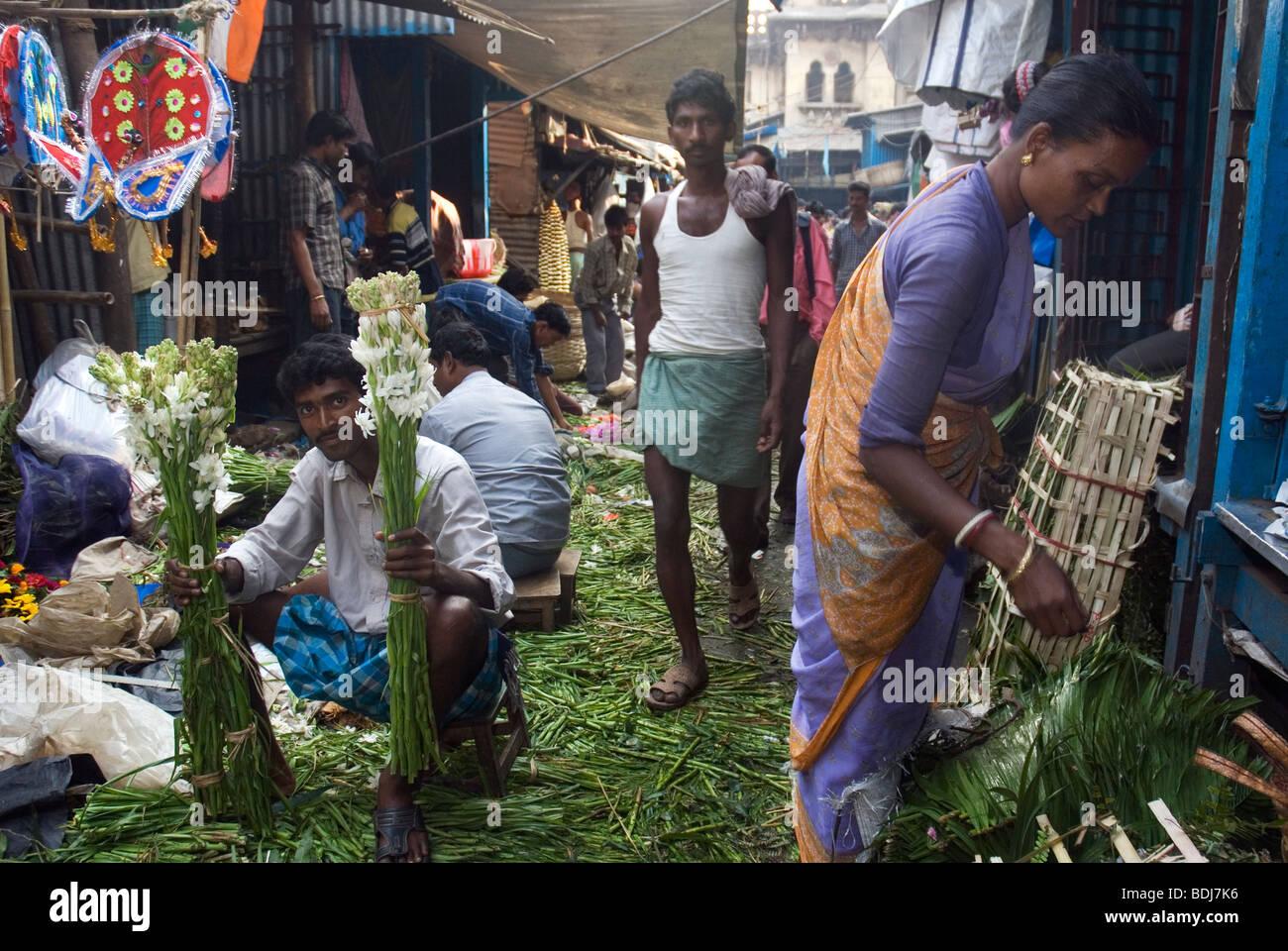 Flower Market at Mullick Ghaat, Kolkata, West Bengala, India. - Stock Image