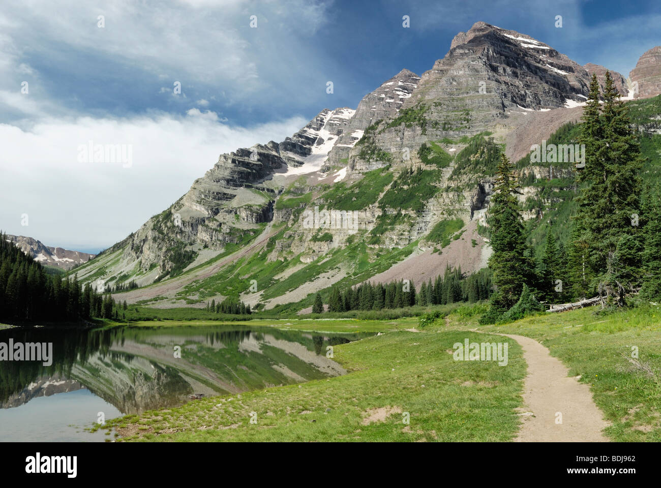 Hiking trail in Maroon Bells Wilderness, central Colorado - Stock Image