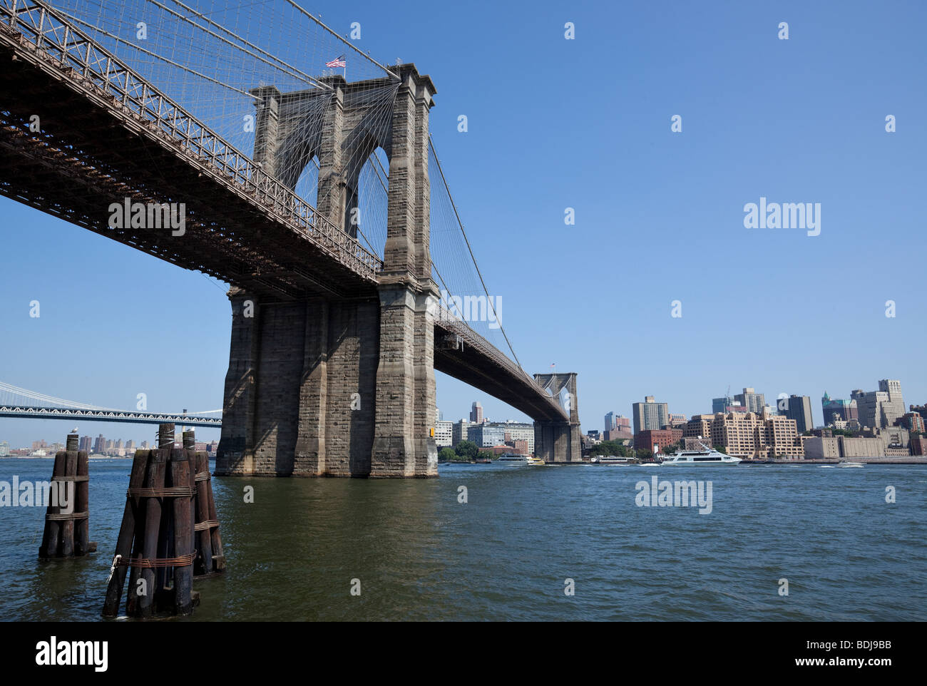 brooklyn bridge over the hudson river new york city usa stock photo 25603407 alamy. Black Bedroom Furniture Sets. Home Design Ideas