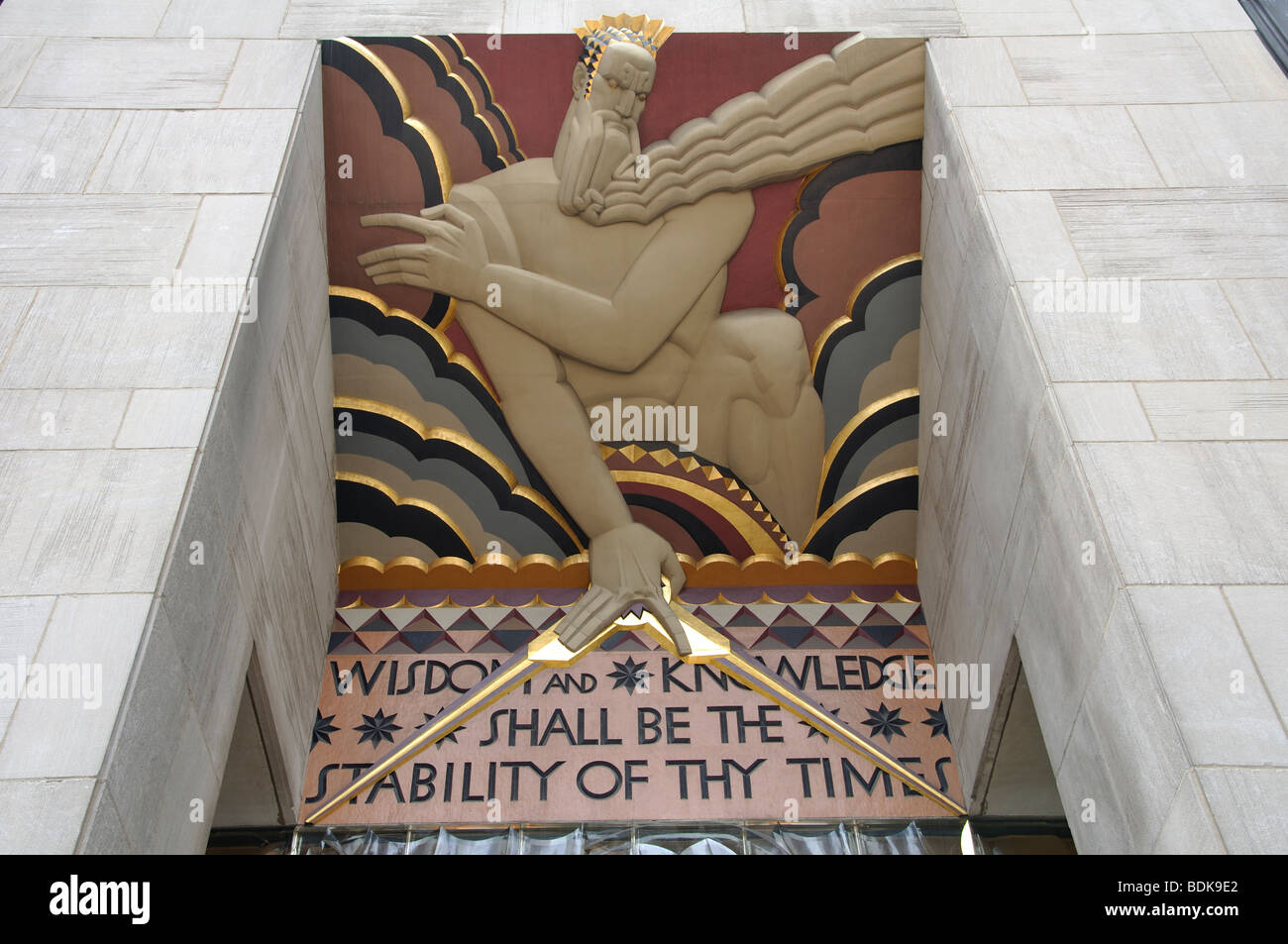 'Wisdom & Knowledge Shall be the Stability of thy Times'  - entranceway relief sculpture by Lee Lawrie, - Stock Image