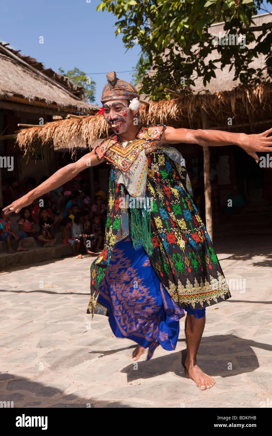 Indonesia, Lombok, Sade, traditional Sasak village, colourfully Stock Photo: 25630231  Alamy