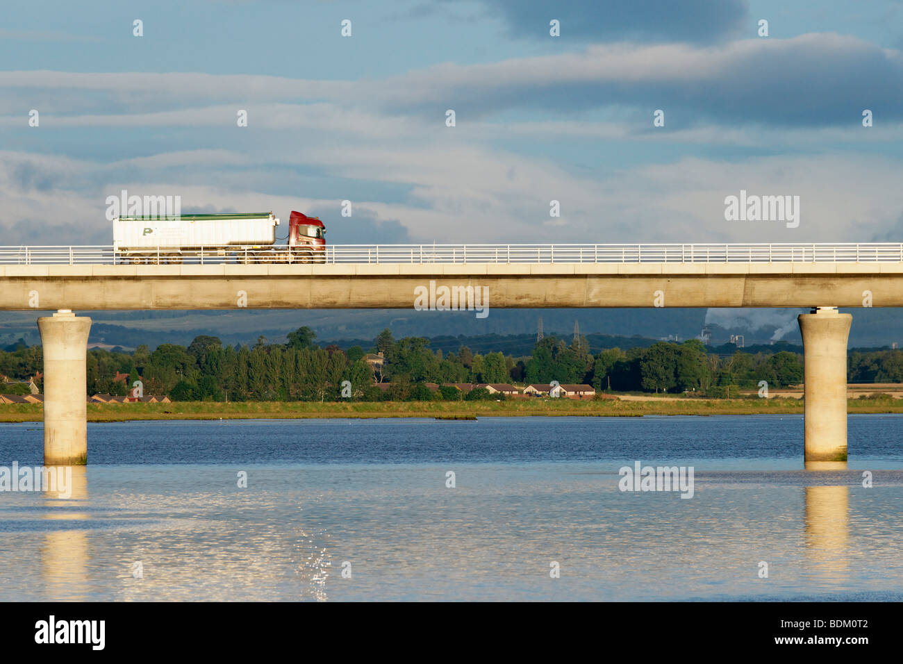 HGV on the Clackmannanshire Bridge across the Firth of Forth, Scotland. - Stock Image