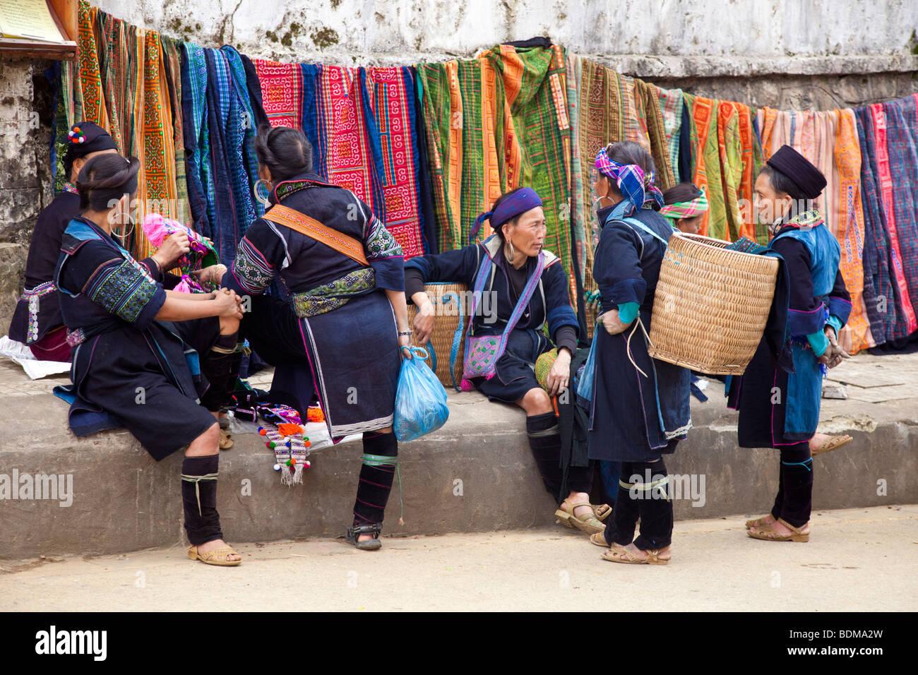 Hmong lady in Sapa, North Vietnam - Stock Image