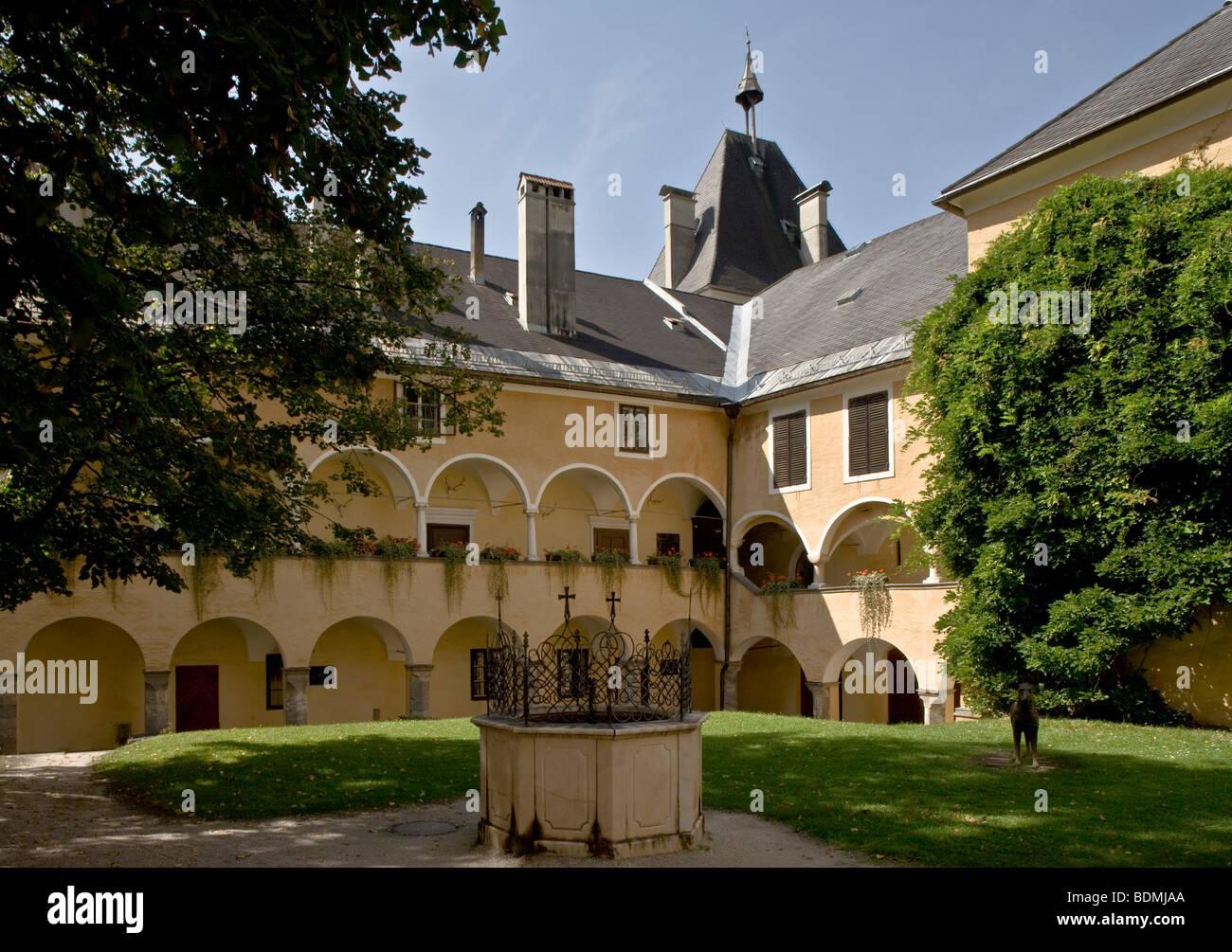 Millstatt, ehemaliges Hochmeisterschloß, Innenhof - Stock Image