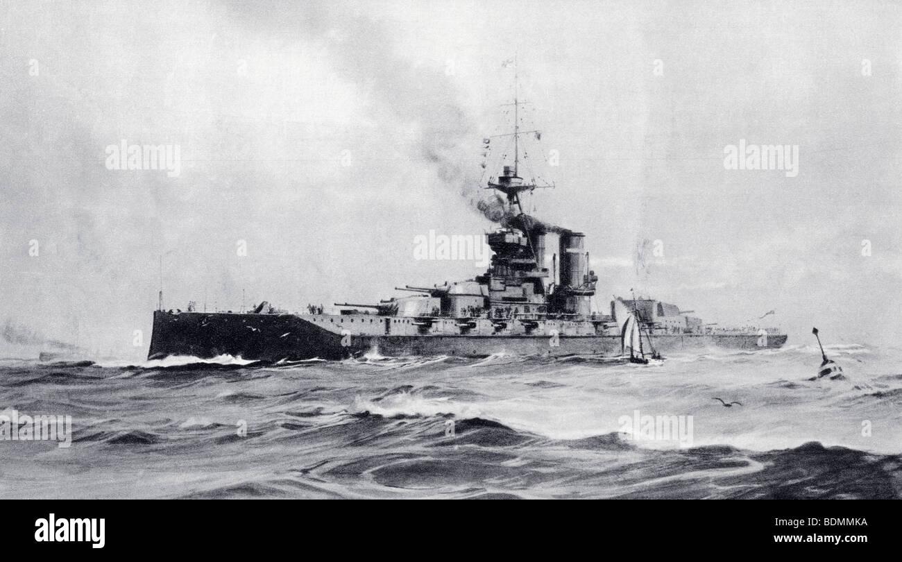 The 15 inch gun super-dreadnought H.M.S. Queen Elizabeth. - Stock Image