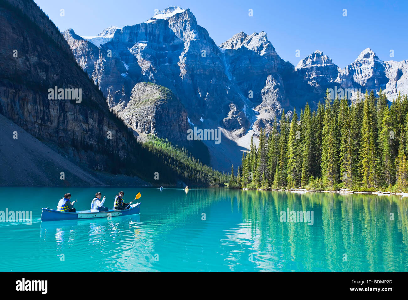 Moraine Lake Stock Photos Moraine Lake Stock Images Alamy