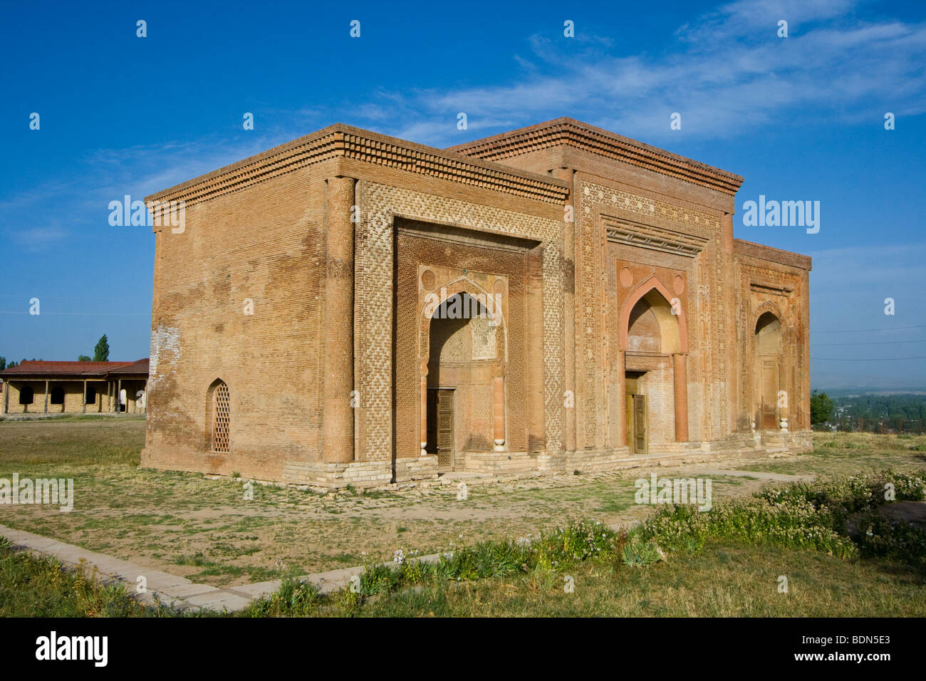 12th Century Karakhanid Mausoleums of Ozgon (Uzgen) Kyrgyzstan - Stock Image