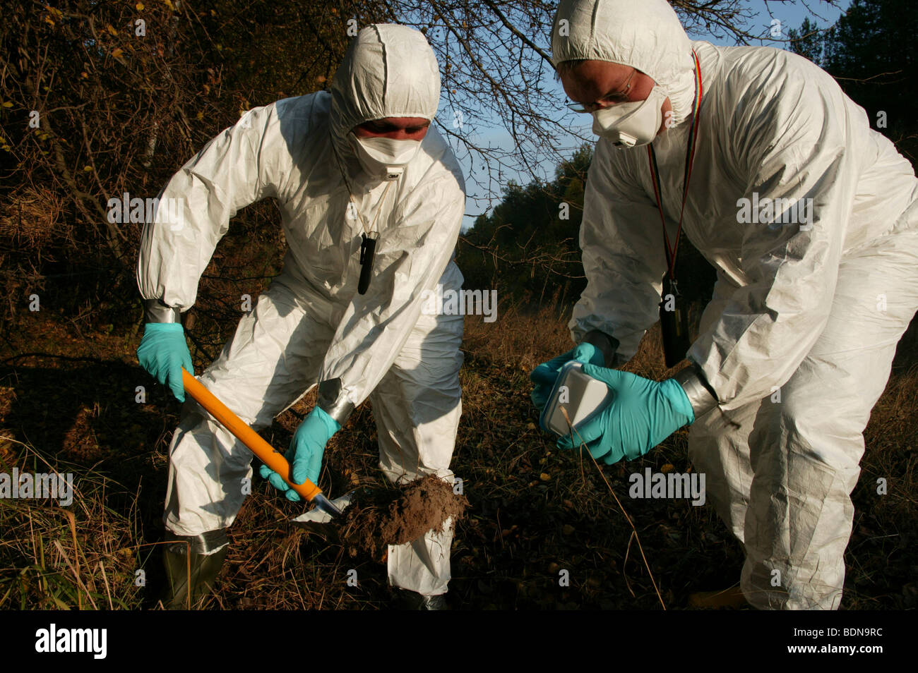 On the ground action training for Greenpeace Radiation Safety Advisors. Measuring radiation levels around Chernobyl - Stock Image