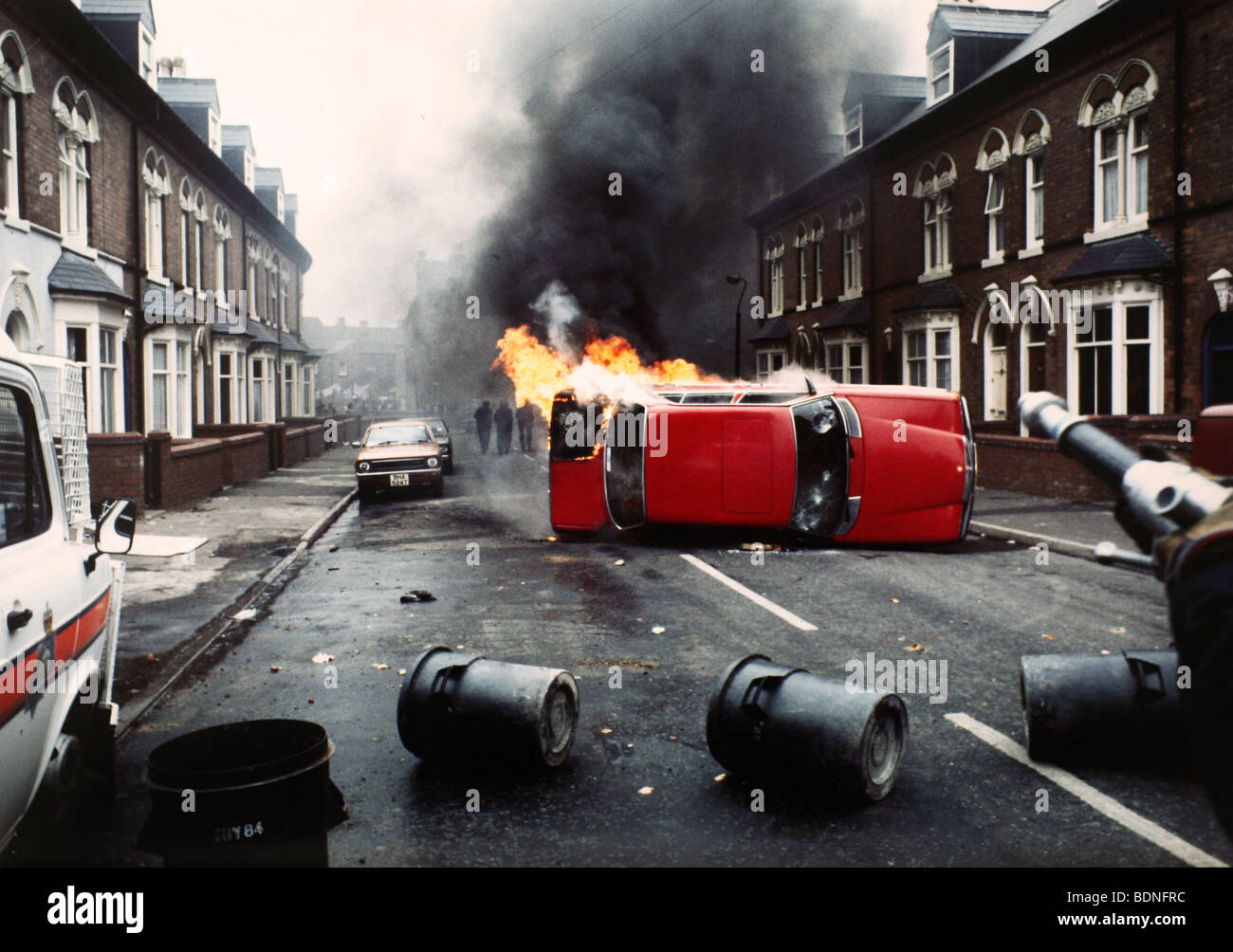 Rioting in the Handsworth Lozells area of Birmingham in 1985.The Handsworth Riots during the Margaret Thatcher Government - Stock Image