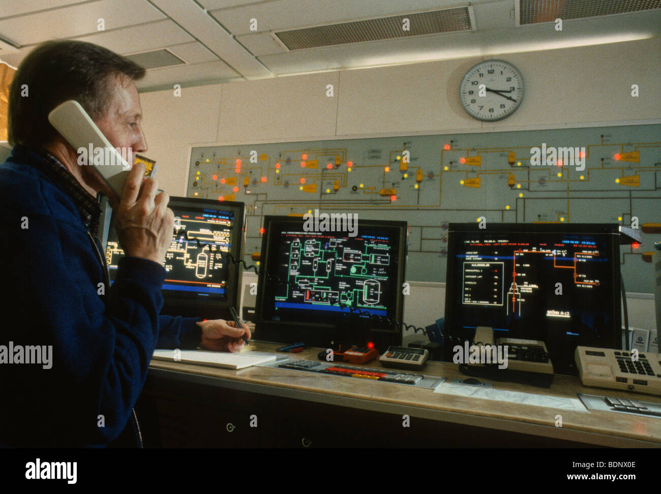 Offshore oil rig control room Stock Photo: 25682286 - Alamy