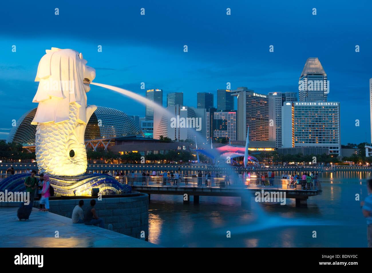 The Merlion, landmark of the metropolis of Singapore, designed by artist Fraser Brunner in 1964, Singapore River, Singapore, So Stock Photo