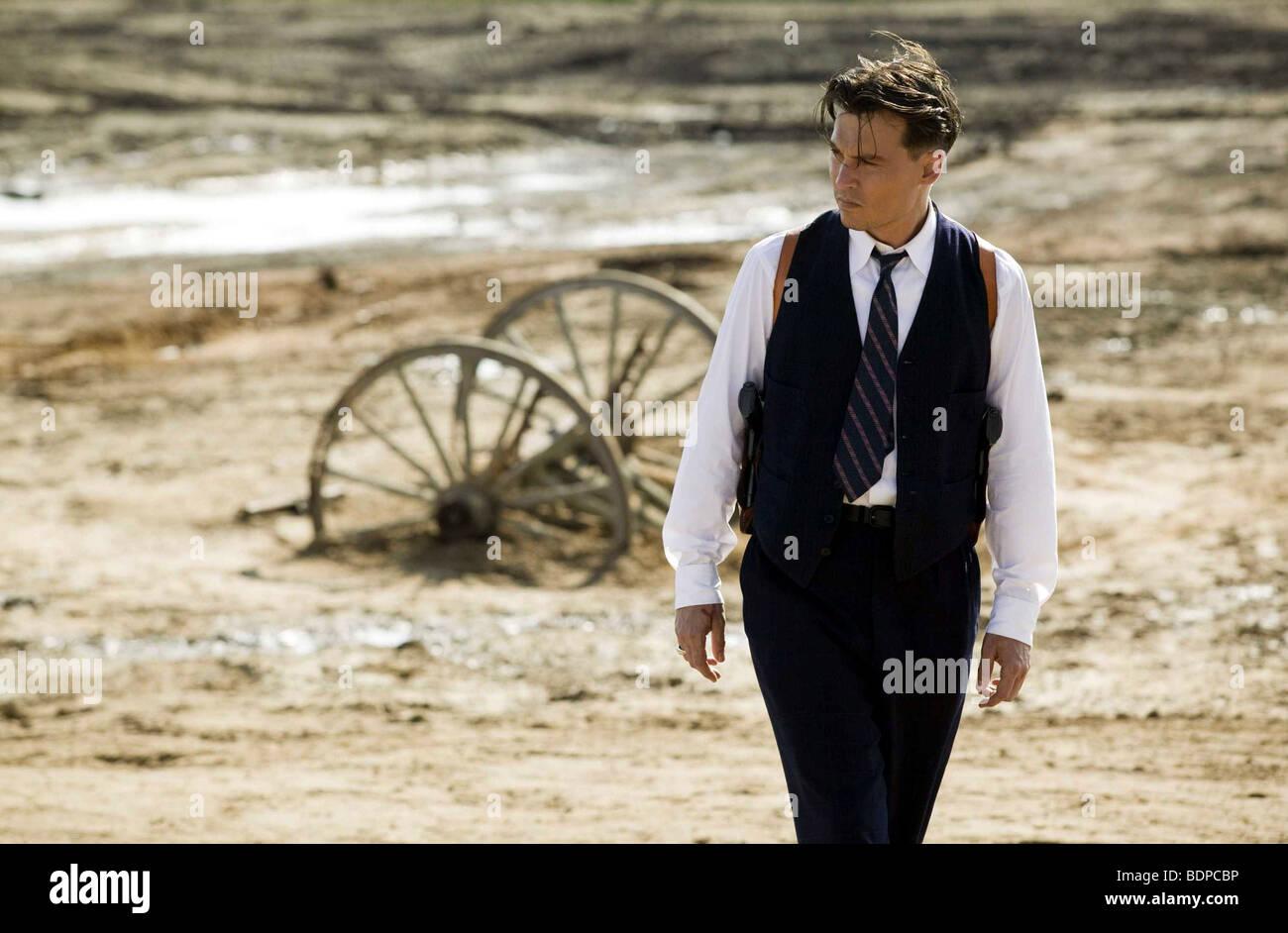 Public Enemies Year : 2009 Director : Michael Mann Johnny Depp - Stock Image