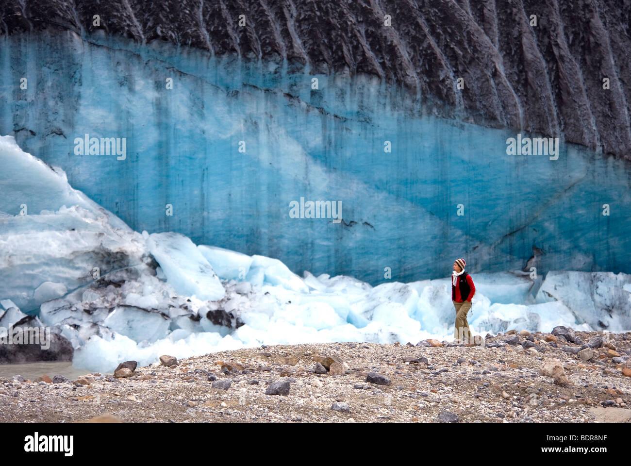 Calving section of glacier, Athabasca Glacier, Jasper National Park, Alberta, Canada - Stock Image