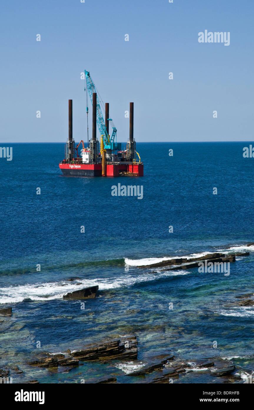 dh Wave power ENERGY UK Fugro Seacore platform positioning test rig off shore Billia Croo Orkney - Stock Image